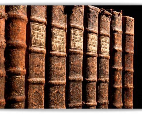 Bücher im Ledereinband