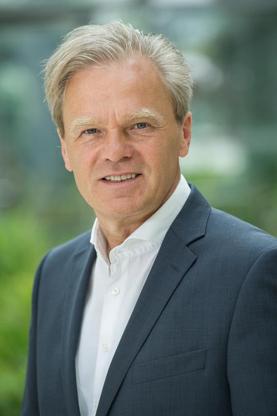 Diethelm A. Siebuhr, Geschäftsführer der Nexinto Holding