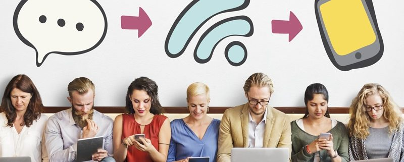Modern Talking -Social Media regt die Kommunikation an (© Rawpixel.com | fotolia.de)